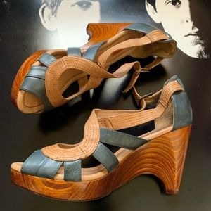 Miz Mooz Shoes - Miz Mooz Retro Sling back wooden heels size 9